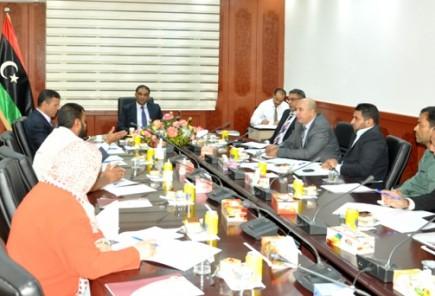 اجتماع الوزير مع مدراء الادارات