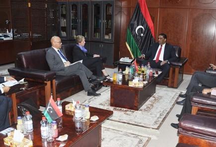 وزير العدل يلتقي نائب ممثل الشؤون السياسية ببعثة الأمم المتحدة في ليبيا1